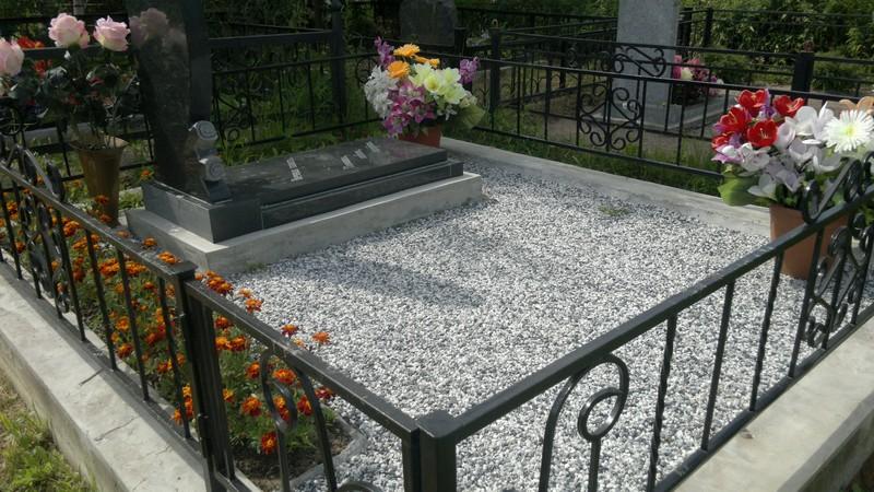 Благоустройство могил на кладбищах Панино и Панинского района ...